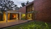 Ngôi nhà với 7 sân trong xanh mát, hấp dẫn mọi ánh nhìn