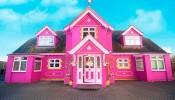 Biệt thự màu hồng đẹp như cổ tích được tạo nên trên nền xác nhà cũ