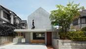Ấn tượng với thiết kế độc đáo của ngôi nhà Floating Hut tại Nhật Bản