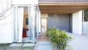 Thiết kế thông minh bên trong ngôi nhà 2 tầng Waverley tại Úc