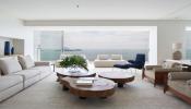 Chiêm ngưỡng căn hộ sang trọng với tầm nhìn tuyệt vời ra bãi biển Ipanema