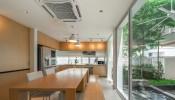Khám phá ngôi nhà có bể cá Koi ở Bangkok đơn giản mà bình yên