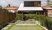 Mặt tiền hút mắt của ngôi nhà hai tầng tại Australia