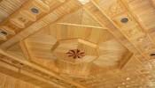 Các mẫu thiết kế trần gỗ cho phòng khách ấn tượng