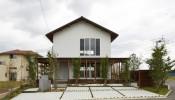 Nhà 2 tầng đơn giản với cấu trúc dạng khung dễ thay đổi