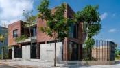 Nhà gạch mộc ngập tràn hoa nắng ở Đà Nẵng