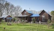Vẻ đẹp bình yên trong ngôi nhà gỗ ở chốn thôn quê