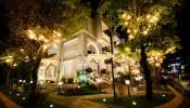 Vợ chồng Thúy Hạnh - Minh Khang trang trí biệt thự lộng lẫy đón Noel