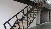 Mẫu cầu thang nhà ống 5m tiết kiệm không gian, dễ thiết kế