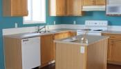 Cải tạo căn bếp thêm gọn gàng, sạch sẽ với những tông màu sáng
