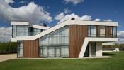 Mê mẩn trước thiết kế ấn tượng của căn biệt thự tại Nga