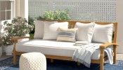 Những chiếc ghế sofa ngoài trời khiến hàng xóm phải ghen tị