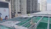 Cận cảnh thi công lợp mái nhà ga trên cao tuyến metro số 1