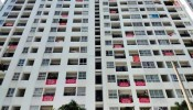 """Chủ đầu tư """"giam"""" sổ hồng 5 năm, chung cư Sài Gòn nhuộm đỏ băng rôn"""