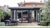 Chỉ cải tạo lại mặt sau và thay đổi vài chi tiết, Framed House cũng khiến gia chủ vô cùng hài lòng, ưng ý