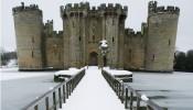 Đại diện cho lối sống xa hoa của giới thượng lưu: nhiều cung điện và dinh thự bị bỏ hoang hàng thế kỷ