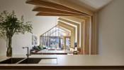 Cross Stitch House – Căn nhà với thiết kế dầm gỗ như những sợi chỉ kết nối không gian mới và cũ