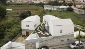 Ngôi nhà 350m2 cải tạo từ trang trại cũ nổi bật với thiết kế tương phản