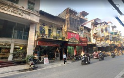 Nhà mặt phố Hoàn Kiếm 520 triệu/m2, sẵn tiền không có mà mua