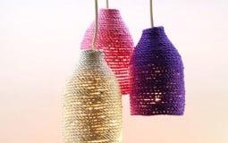 Thay vì vứt bỏ chai nhựa, bạn có thể biến chúng thành những món đồ trang trí 'không đụng hàng'