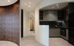 Tường cong duyên dáng tạo điểm nhấn cho căn hộ 70m2