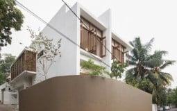 Căn nhà rộng 374m² tạo ấn tượng với sự giao thoa của ánh sáng và cây xanh