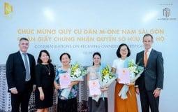 Masterise Homes chính thức bàn giao sổ hồng cho cư dân dự án M-One Nam Sài Gòn