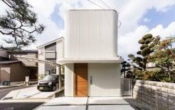 Melt House – Ngôi nhà sâu 23,7m của cặp vợ chồng 30 tuổi và 2 con nhỏ
