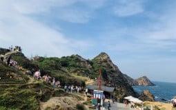 Nơi ngắm bình minh đẹp nhất Việt Nam thu hút hàng vạn lượt khách đầu xuân