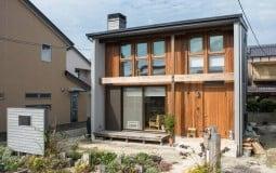 Ngôi nhà mang phong cách gần gũi với thiên nhiên của gia đình mẹ con người Nhật