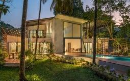 Earth House: Ngôi nhà với kết cấu bằng đá, đất và gỗ Teak gần gũi