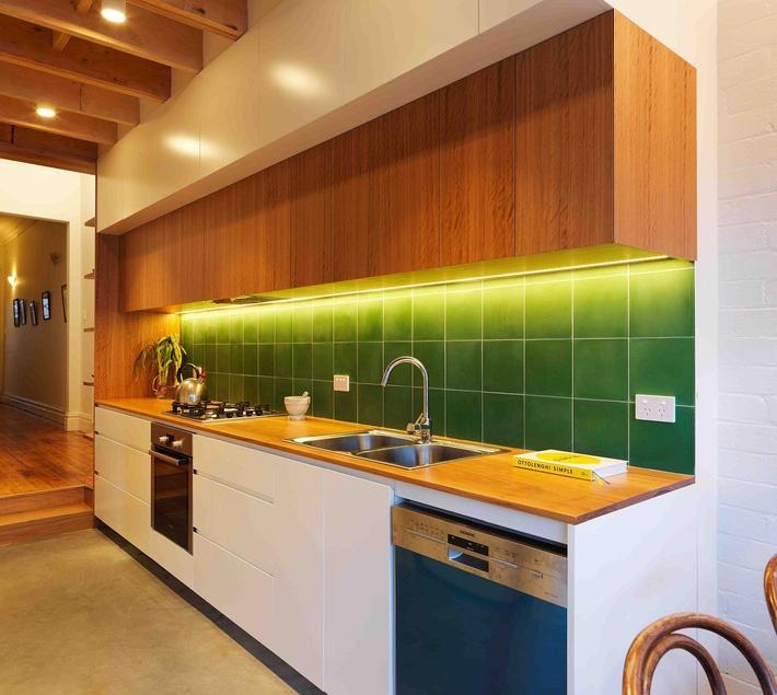 Cải tạo ngôi nhà tối tăm trở nên thoáng sáng, hiện đại hơn tại ngoại ô Sydney