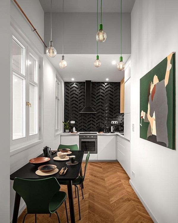 Ấn tượng với cách phối màu tinh tế trong căn hộ có trần cao