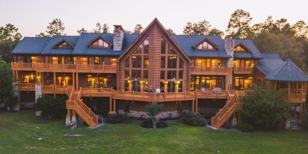 Cận cảnh ngôi nhà gỗ trị giá 190 tỷ đồng ở Mỹ