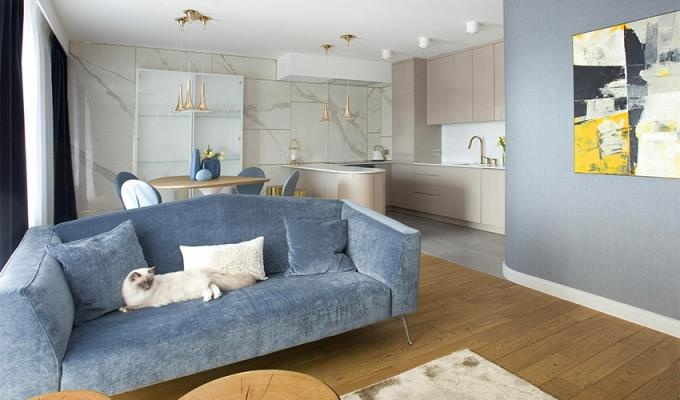 Sự kết hợp tinh tế giữa sắc xanh và hồng nhạt trong căn hộ 75m2