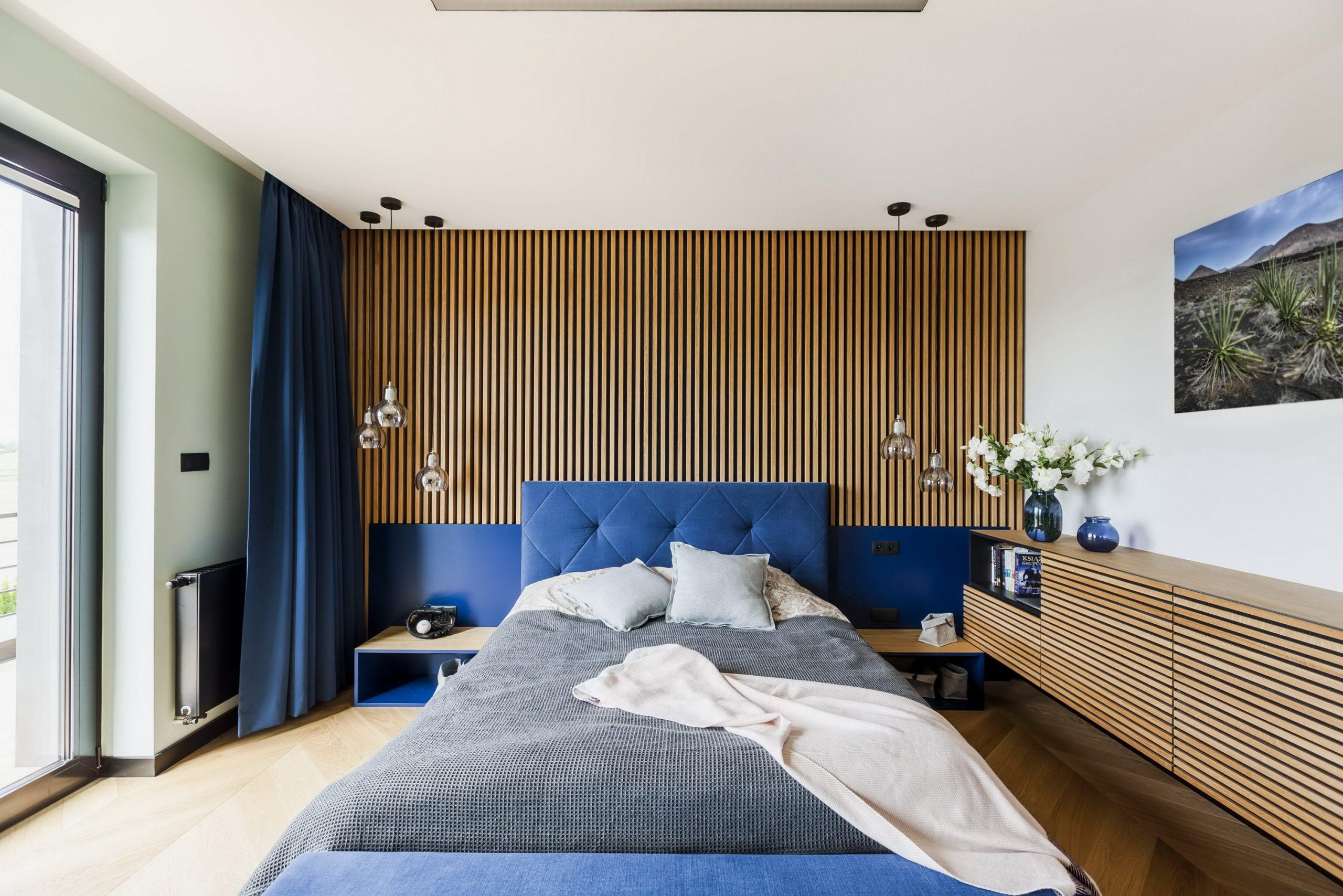 Phòng ngủ màu xanh dương tươi sáng